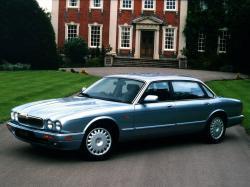 Jaguar XJ II (X300)