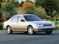 Nissan Altima I