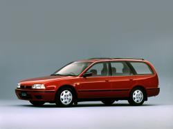 Nissan Avenir I (W10)