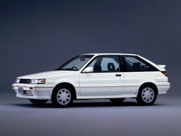 Nissan Liberta Villa n13 Хэтчбек 3 дв.