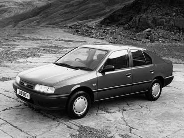Nissan Primera I Хэтчбек 5 дв.