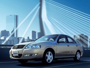 Nissan Sunny b10 Седан