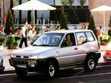 Nissan Terrano II Внедорожник 3 дв.