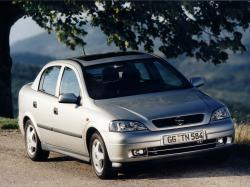 Opel Astra G Седан