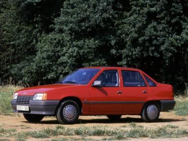 Opel Kadett e Рестайлинг Седан